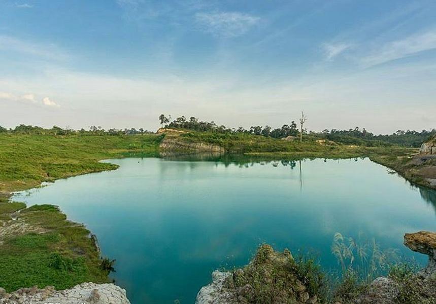 Danau Biru Muara Tembesi