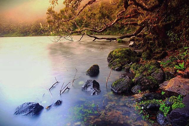 Danau Kumbang